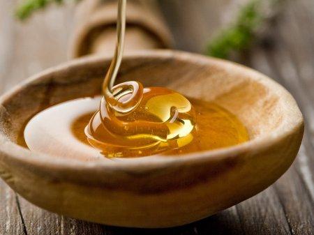 Можно ли при сахарном диабете есть мед и в каком количестве?