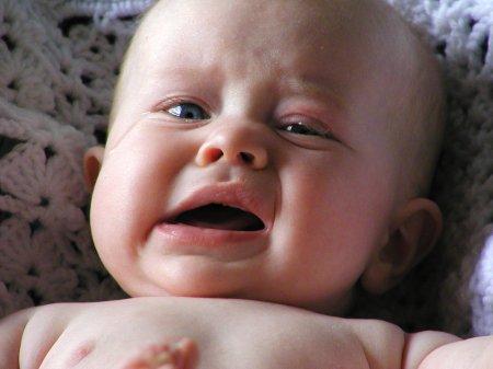 Запор у новорожденного. Что делать? Как справиться без лекарств?