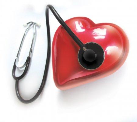 Почему колит в области сердца? Как избавиться от боли?